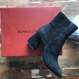 Donald / Pliner bootie